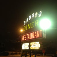 Photo taken at Oregon Diner by Ken on 1/26/2014