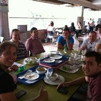 Photo taken at Al Carbon Asado C.C. Unicentro by Jorge Q. on 6/28/2013