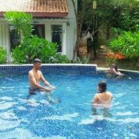 Photo taken at Baan Montra Beach Resort by นู๋น้อยใจดี บ. on 10/14/2012