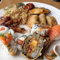 Photo taken at Sushi Naru by Diem on 10/19/2012