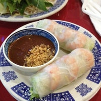 Photo taken at Phở 88 Vietnamese Restaurant by Daniel B. on 6/27/2012