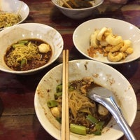 Photo taken at Rue Thong Boat Noodle by WILAWILALA on 10/20/2016