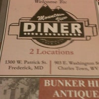 Photo taken at Mountain View Diner by Elvis M. on 11/4/2012