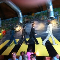 Photo taken at Mellow Mushroom by Kimberly on 9/27/2012