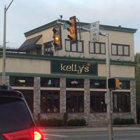 Photo taken at Kelly's Restaurant And Taproom by David N. on 4/23/2013