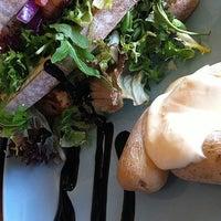Photo taken at Cafe Tullis by Espen on 11/4/2012