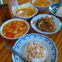 Photo taken at Soto Betawi H. Mamat by Ronal Y. on 2/14/2016