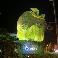 Foto tomada en Centro Comercial Oviedo por Laura C. el 5/26/2013