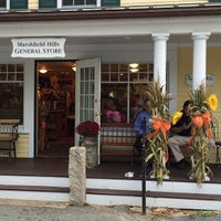 Photo taken at Marshfield Hills General Store by Hector Luis Morales on 10/18/2014