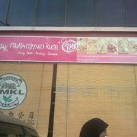Photo taken at Rojak Muhammad Kucei by NeEsa S. on 1/5/2013