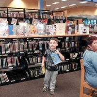 Photo taken at Orange County Library - Alafaya Branch by Yesenia B. on 5/30/2013