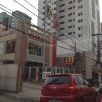 Photo taken at McDonald's by Bianca Brandão on 10/15/2012