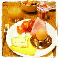 Das Foto wurde bei Sheraton Munich Airport Hotel von Ne_kamilla am 3/10/2013 aufgenommen