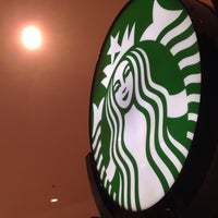 Photo taken at Starbucks by Mappyup H. on 10/3/2015