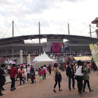 Photo taken at Seoul Worldcup Stadium by Hilander on 4/13/2013