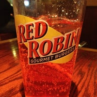 Photo taken at Red Robin Gourmet Burgers by Divad K. on 2/23/2013