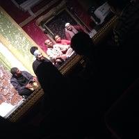 Photo taken at مسرحية تحت الصفر -طارق العلي by Arwa A. on 8/11/2013