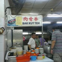 Photo taken at Restoran Weng Soon Jaya by Sasitheran S. on 9/15/2012