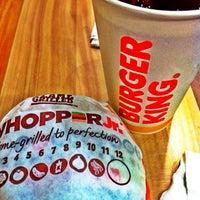 Photo taken at Burger King by Barbiesyosa💋 on 8/27/2016