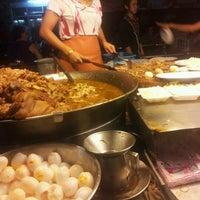 Photo taken at Kaw Kha Moo Chang Phuek by Moji K. on 11/25/2012