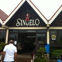 Photo taken at Sinuelo by Roberta C. on 12/30/2012