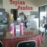Photo taken at RM Tepian Pandan Tenggarong | Kutai Kartanegara by Tanto G. on 1/24/2016