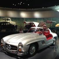 Das Foto wurde bei Mercedes-Benz Museum von Fevzi T. am 6/18/2013 aufgenommen