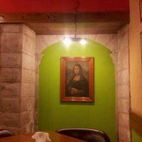 Photo taken at Café Da Vinci by Julio G. on 8/6/2012