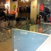 Photo taken at París by Kiko G. on 12/23/2012