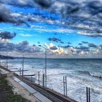 Photo taken at Дикий Пляж by Дмитрий Ф. on 9/25/2014