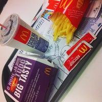 Photo taken at McDonald's by Letícia O. on 5/17/2013