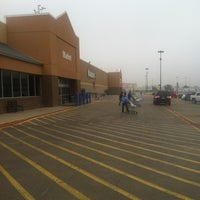 Photo taken at Walmart Supercenter by Allen Lee J. on 1/26/2013