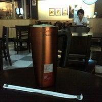 Photo taken at Starbucks by Anonimursi S. on 4/5/2013