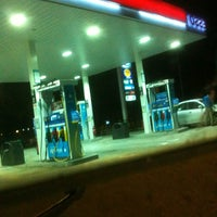 Photo taken at Esso Cheers by 💋JuWieZy™ V. on 2/24/2013