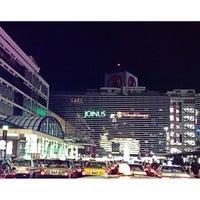 Photo taken at 横浜駅西口 バスターミナル by NokoHide7 on 12/6/2012
