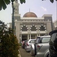 Photo taken at Mahkamah Agung Republik Indonesia by Chandra K. on 10/22/2014