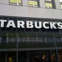 Das Foto wurde bei Starbucks von Rene N. am 10/29/2012 aufgenommen