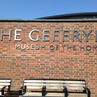 Photo taken at Geffrye Museum by Mar D. on 7/9/2013