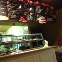 Photo taken at Iggy's Pizzeria by Destin D. on 6/22/2014