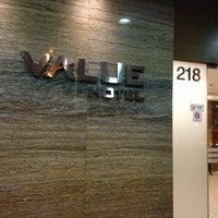 Photo taken at Value Hotel Balestier by Muliyangto N. on 2/23/2013