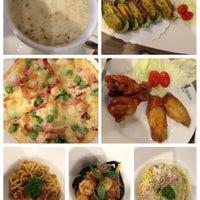Photo taken at Narai Pizzeria by GiiGGiiE on 1/17/2014