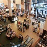 Photo taken at Barnes & Noble by Ron B. on 9/21/2012