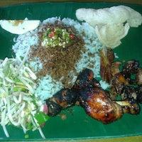 Photo taken at Restoran Nasi Kerabu Golok by Nadia M. on 2/3/2013