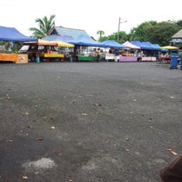 Photo taken at Pasar Malam Bandar Al-Mutafibillah,Terengganu by Roydin D. on 10/1/2012