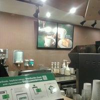 Photo taken at Starbucks by Fulya Ş. on 10/22/2012