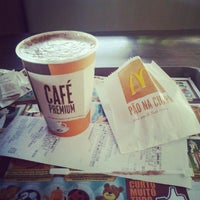 Photo taken at McDonald's by Bruna on 10/9/2012
