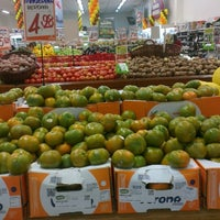 Photo taken at Supermercado Angeloni by Willian N. on 5/26/2013