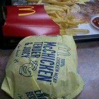 Photo taken at McDonald's by Kaer E. on 11/25/2012