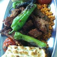 Photo taken at Öz Kilis Kebap ve Lahmacun Salonu by SeRKaN on 9/28/2012