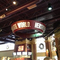 Photo taken at Hershey's Chocolate World by Leandro D. on 12/29/2012